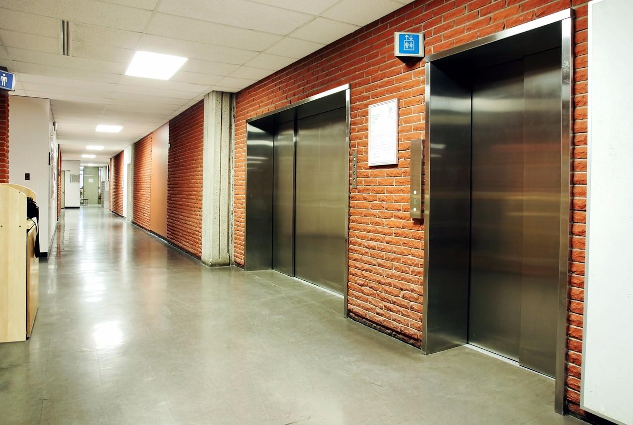 斯迈普载货电梯